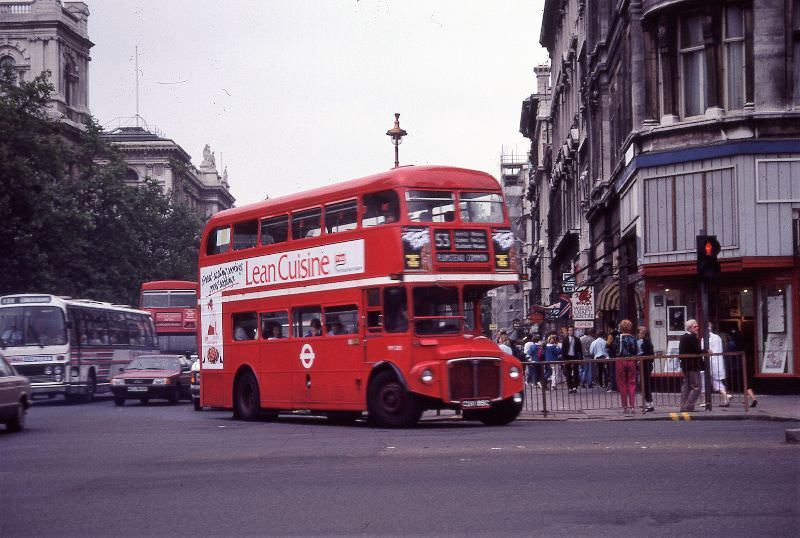 36-parliament-square-in-london-1985